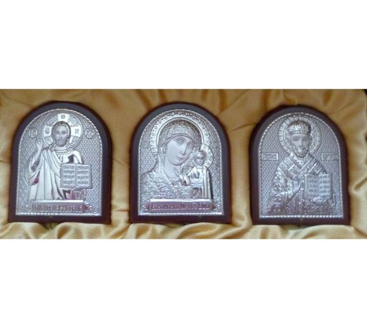 Небольшой подарочный набор из трех икон 7*8.5см.(триптих, «Галерея благолепия», Россия) в VIP-упаковке в коричневом дереве