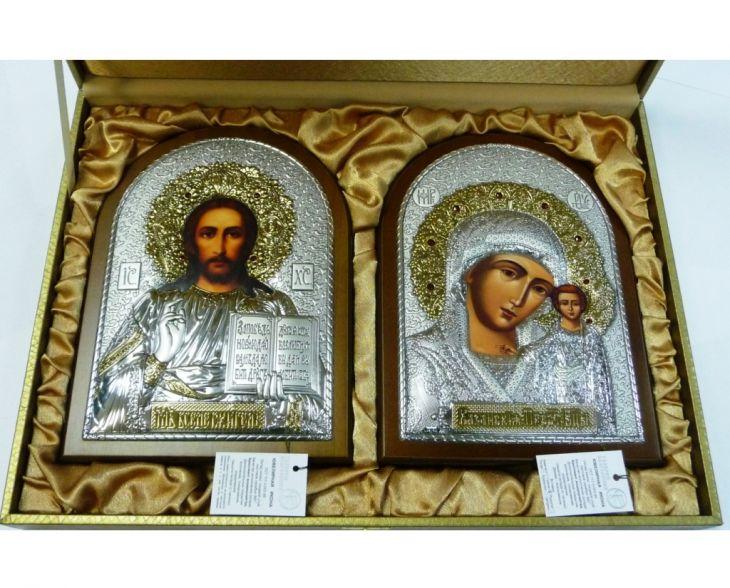 Инкрустированный гранатами подарочный набор (венчальная пара) Христа и Божьей Матери (14,5*20см., коричневое дерево, Россия) в VIP-упаковке